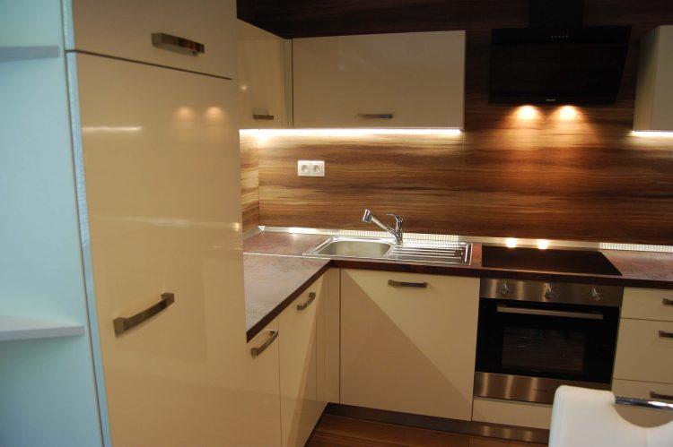 Kuchyňa z exotického dreva